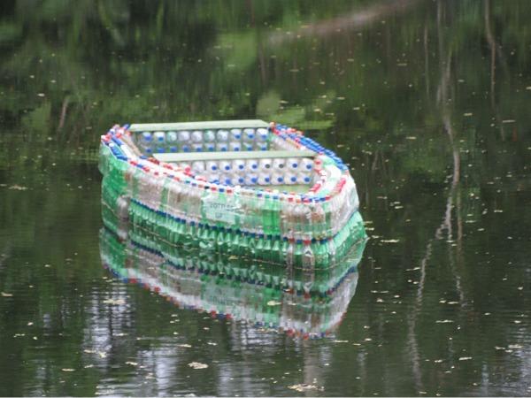 BottlesUp_plasticbottleboat_2